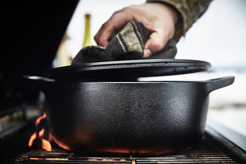 VARDAGEN - casserole with lid, cast iron | IKEA Hong Kong and Macau - PE792621_S4