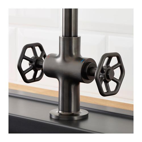 GAMLESJÖN - 雙控廚房冷熱水龍頭, 刷面金屬黑色 | IKEA 香港及澳門 - PE658821_S4