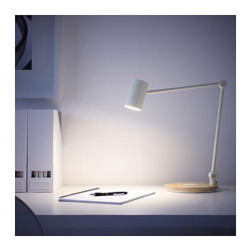 RIGGAD - LED工作燈連無線充電座, 白色   IKEA 香港及澳門 - PE614078_S4