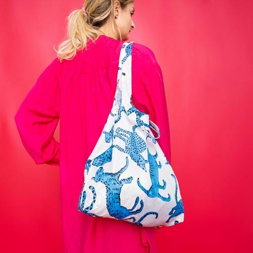 SKYNKE - 購物袋, 45x36 cm, 圖案 貓/藍色 白色   IKEA 香港及澳門 - PE817644_S4