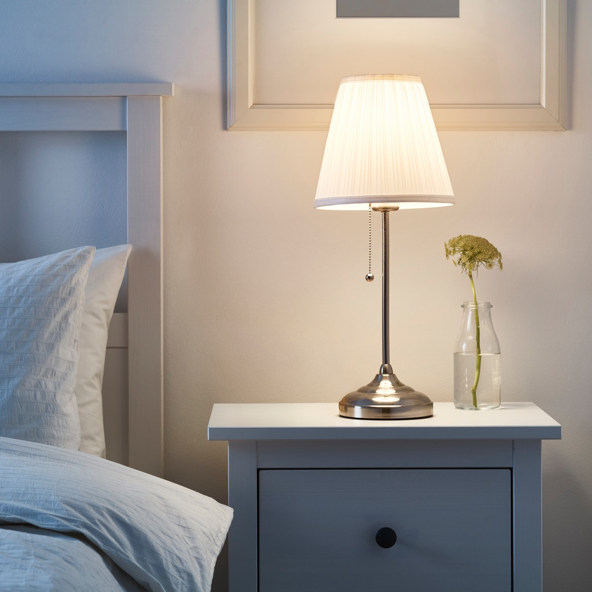 ÅRSTID Table lamp