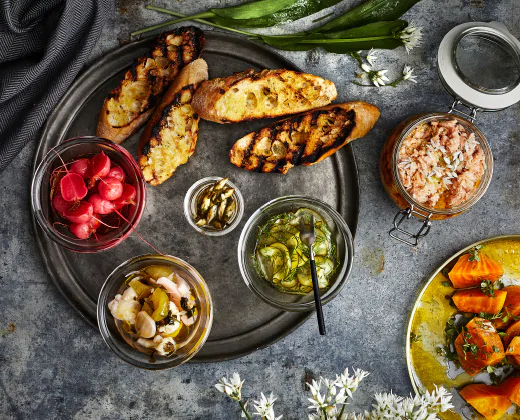 Salmon rillettes and pickles