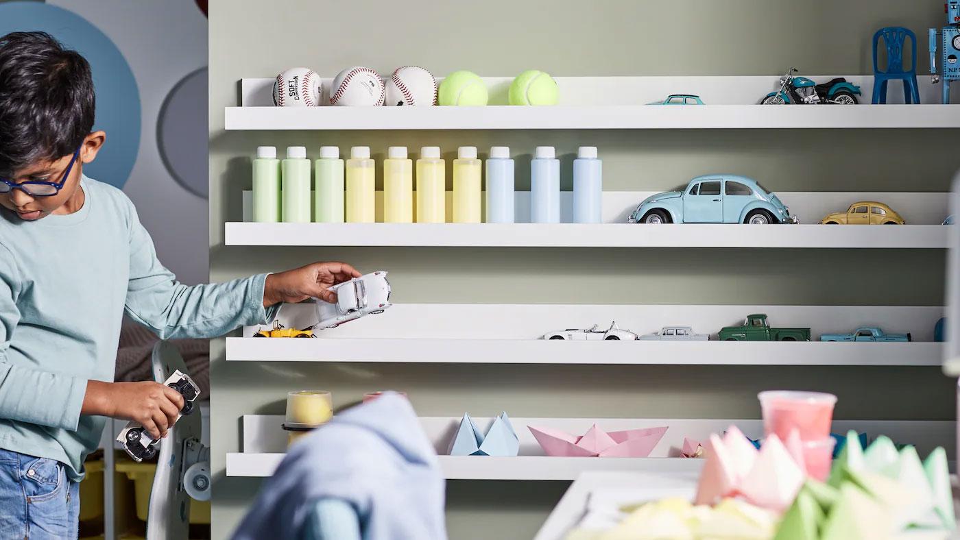 children storage shelf