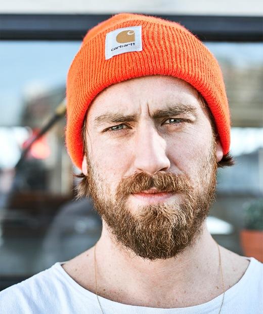 戴橙色帽的Gareth。