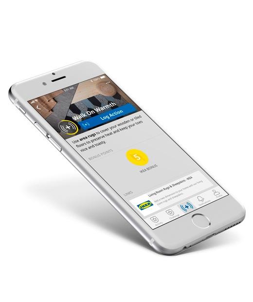 開啟宜家家居應用程式的手機。