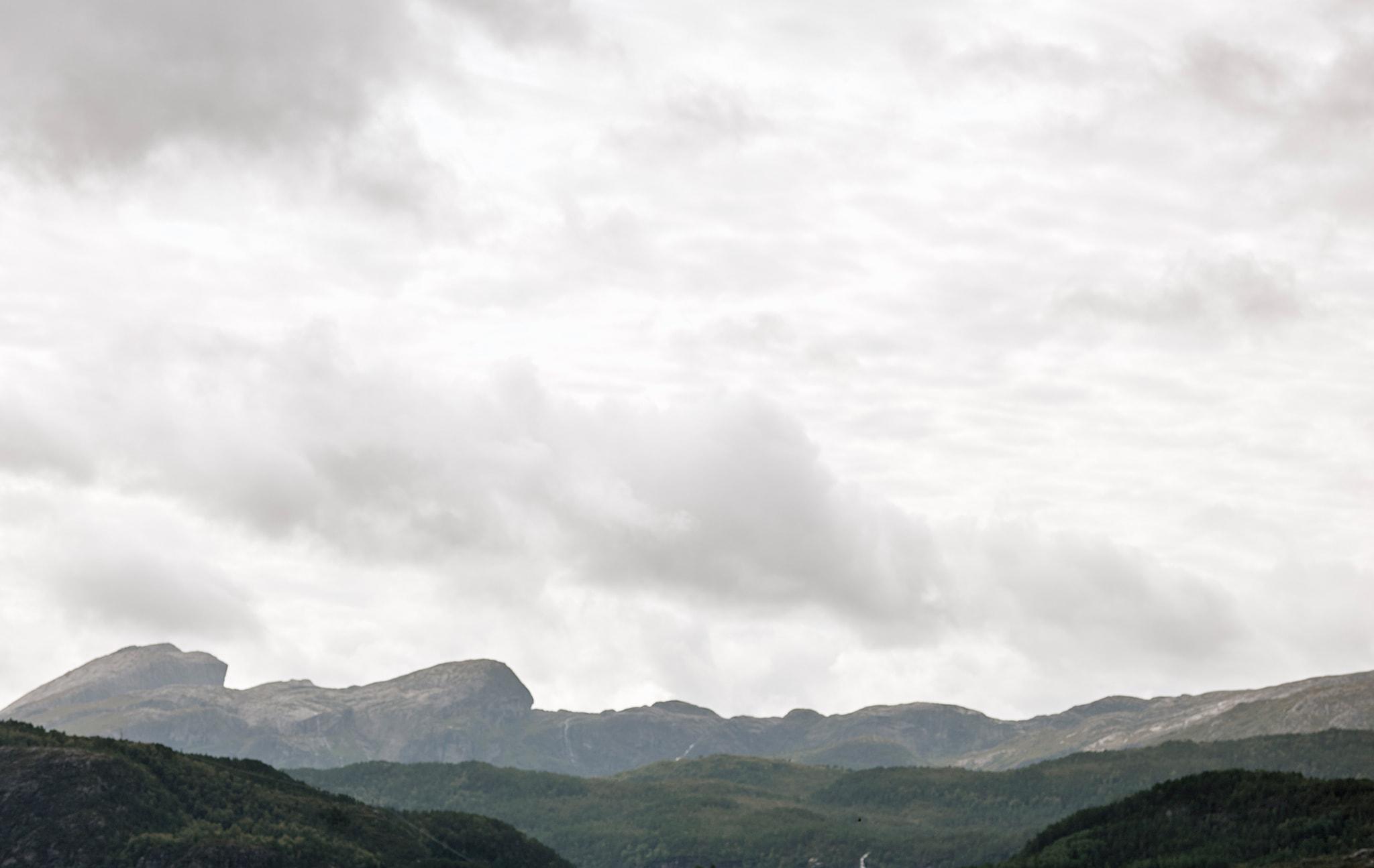 挪威的山巒景致。