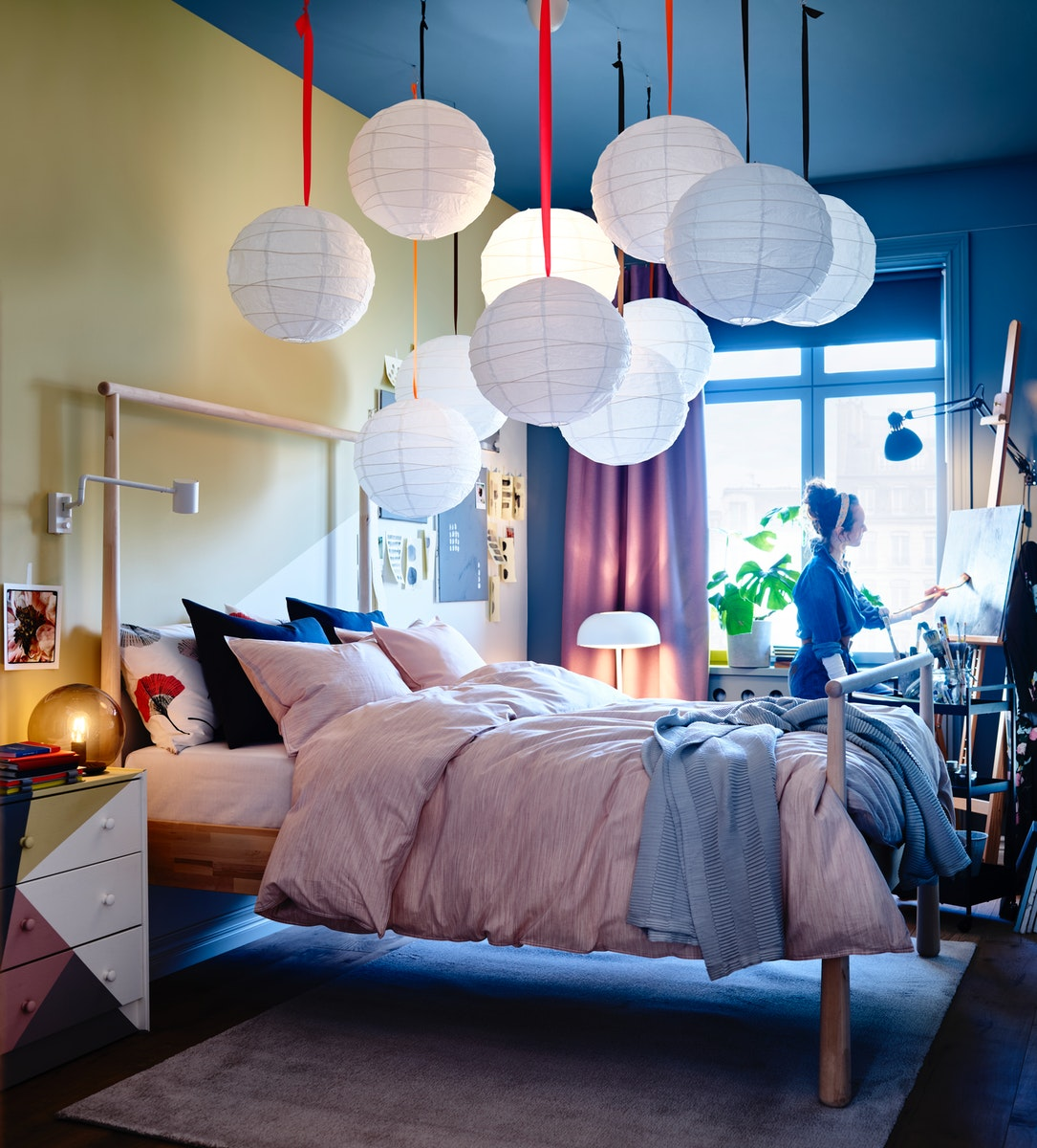 A creative getaway bedroom where ideas come to life