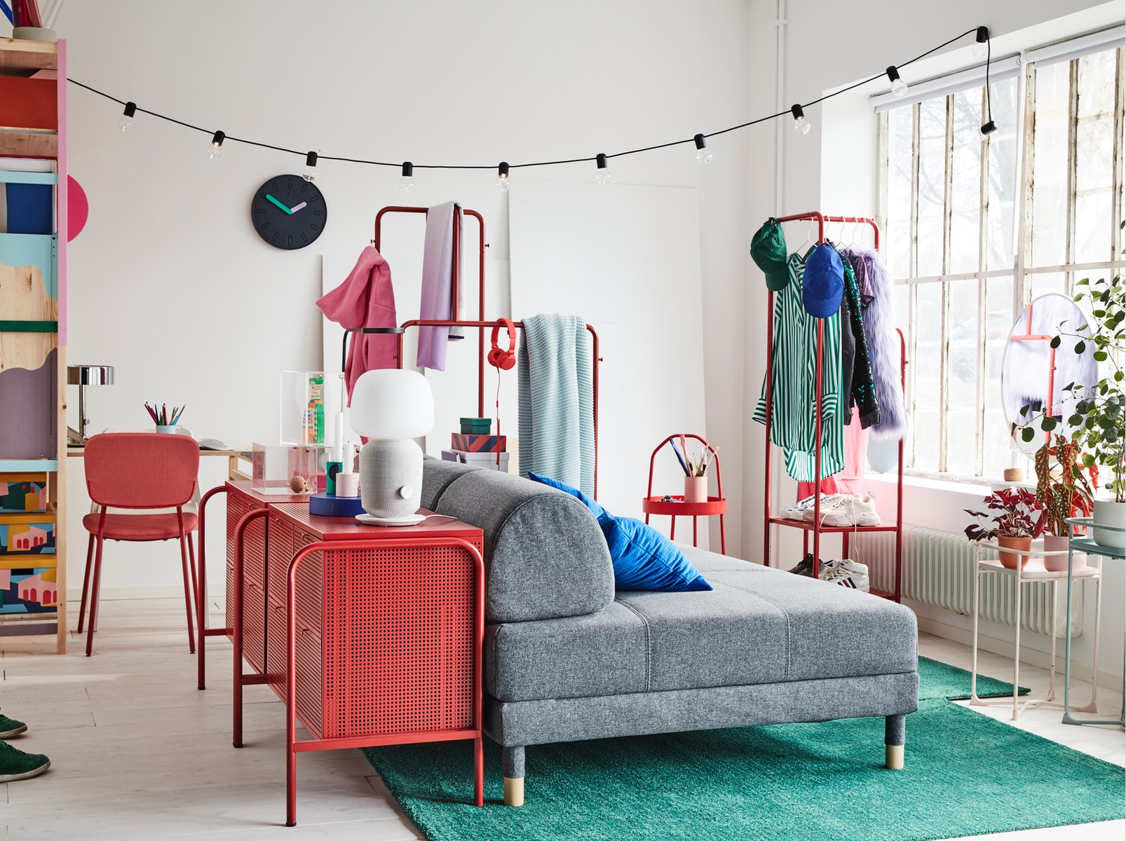 A colourful and flexible room for someone who's often on the move