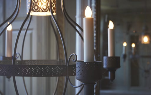 How to decorate with candles this festive season