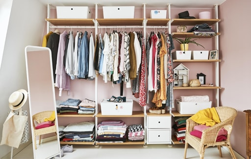 Home visit: design an organised open wardrobe