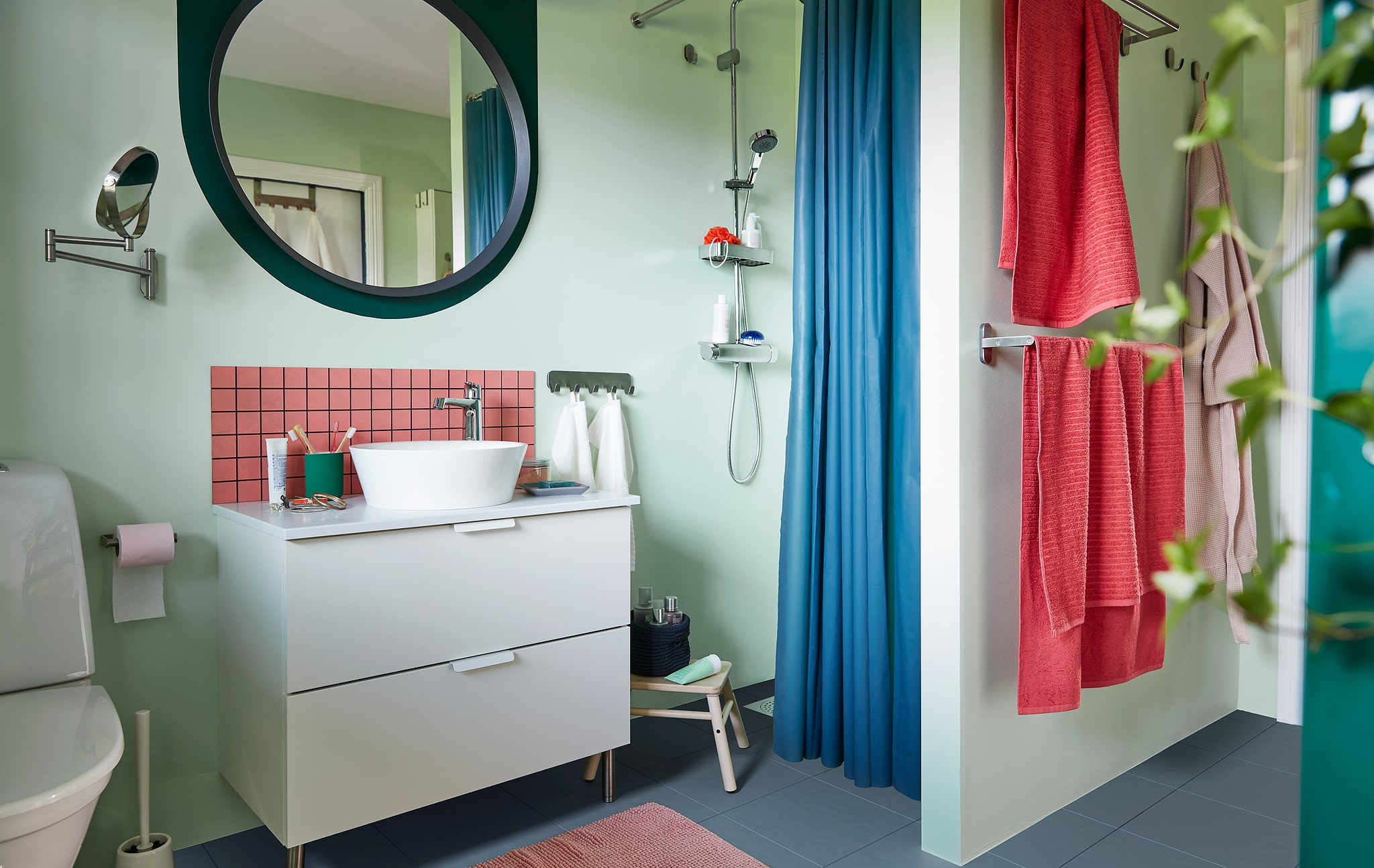 How to make a busy bathroom a place to relax
